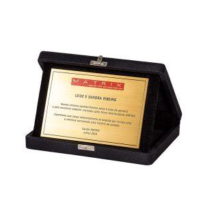 Placa de premiação dourada formato 10cm x 15cm